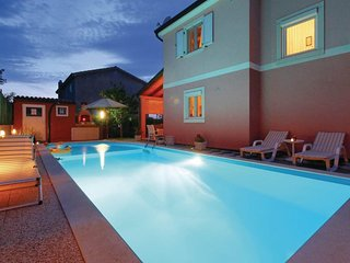 Three-Bedroom Villa Marija with Private Pool in Gedici