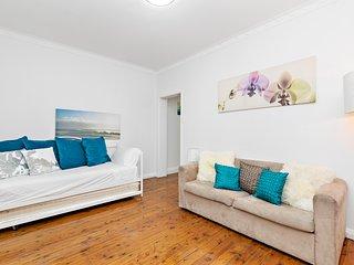 Cozy 2BR Bondi Beach Front Apartments