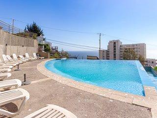 Depto con piscina interior y exterior - Spacious apt with indoor & outdoor pool