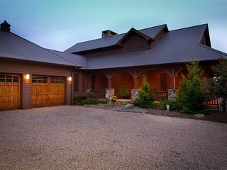Sacred Ground-Views,Pool Table,Horse/Pet-Friendly
