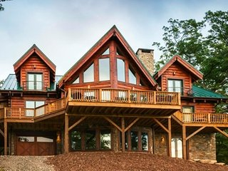 Bliss Mountain Lodge-Luxury Home-Pool Table,Views