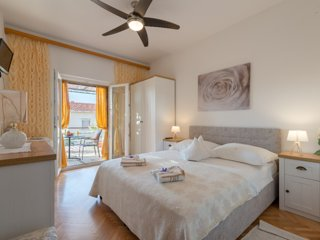 Chic 3 rooms Apartment up 6 Persons.Make yourself at home.