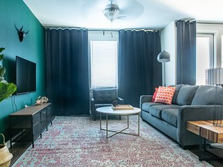 Luxe 1BR South Congress Apt #2435 by WanderJaunt