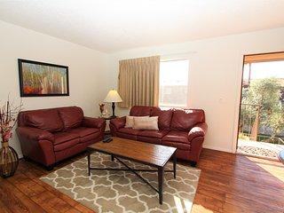 224 - Peak Location. Full Apartment