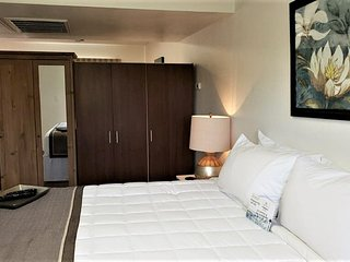 Park Suites at 104 - One Bedroom Apartment