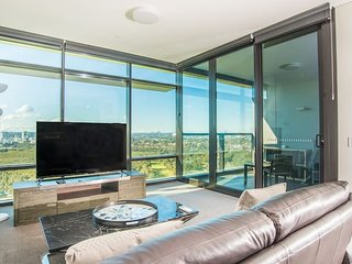 2bed1bath high-end APT at Olympic park*views+P