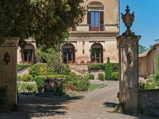 Buonconvento Villa Sleeps 16 with Pool Air Con and WiFi - 5310337