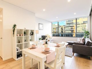 Cutie 2Beds sleeps5 APT at Rosebery with Parking