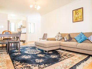 Spacious & Cozy APT*Heart of Redfern Closes to CBD