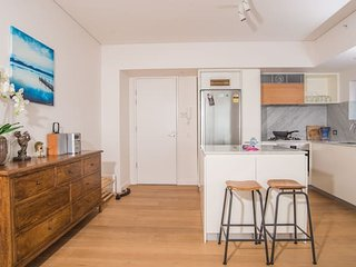 1bed1bath Spacious  APT in Crows Nest*parking