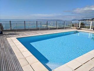 Juan les Pins Sea Views, Rooftop Pool, modern 1 bedroom