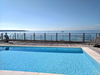 Juan les Pins Holiday Apartment with Rooftop Pool