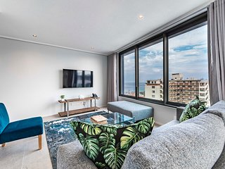 605 The Cosmopolitan- Views and Location!