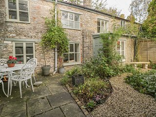 THE HERMITAGE, family-friendly, character holiday cottage, with open fire in