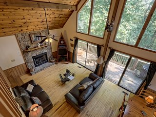 Hosteeva Log Cabin on Eagle Nest, 15 Min to Smoky Mountains