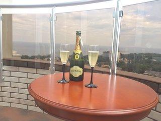 Frantsuzsky luxury Sea View Apartment