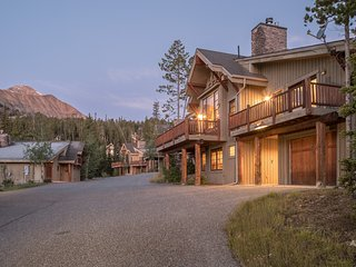 Moonlight Mountain Home | 4 Happy Trails
