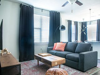 2BR South Congress Apt #2328 by WanderJaunt