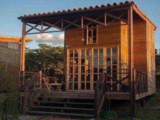 Dos cabañas de madera, ecológicas, área de 76 m2 c/u, jardines y zonas verdes. Z