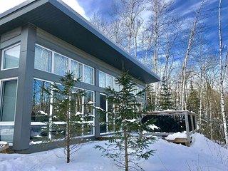 Bel Air Tremblant. 8 min from ski resort