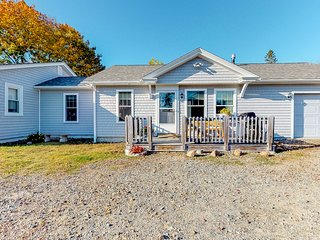 Modern bungalow w/ decks - near hiking, biking & ocean shore!