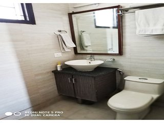Short Stay 3BHK Serviced Apartment In Defence Colony New Delhi