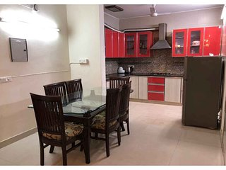 Short Stay 3BHK Service Apartment In GK-1 Delhi