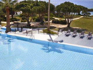 Sao Rafael Apartment Sleeps 6 with Pool and WiFi - 5816457
