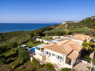 Arillas Magouladon Villa Sleeps 6 with Pool and Air Con - 5816451