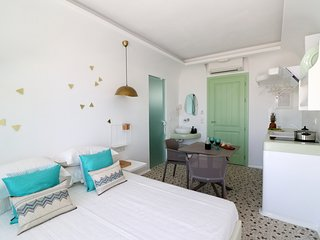 Depis luxury suites naxos  / apartment for 5
