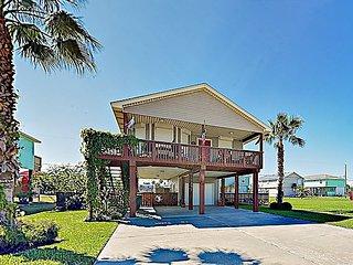 Beach-Chic Cottage in Sea Isle w/ Updated Kitchen, Outdoor Shower & Gas Grill
