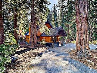 4BR Smart Home w/ Private Hot Tub, Near Hiking, Biking & Skiing!