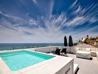 Fabulous two bedroom house with stunning sea views nestled in Carvoeiro