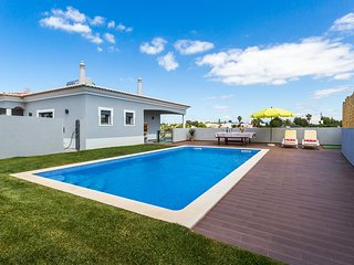 Fabulous 3 bedroom villa in walking distance of Carvoeiro