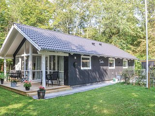 Nice home in Esbjerg V w/ WiFi and 3 Bedrooms