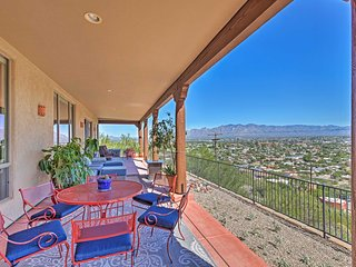 Scenic Luxury Villa w/Spa in Downtown Tucson!