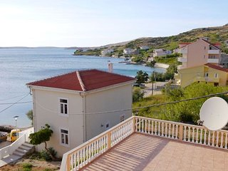 Cosy apartment with sea view and one bedroom