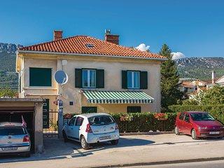 Beautiful home in Kastel Stari w/ WiFi and 3 Bedrooms