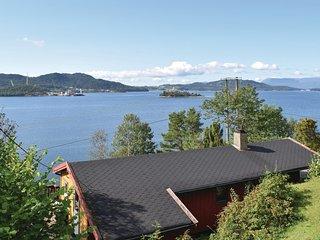 Nice home in Sandvoll w/ WiFi and 3 Bedrooms (N18486)
