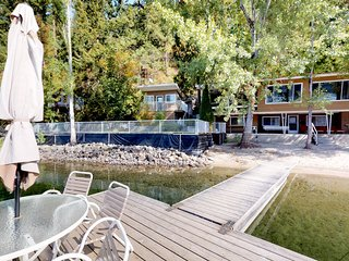 Charming, dog-friendly, waterfront home w/ sandy beach & private dock