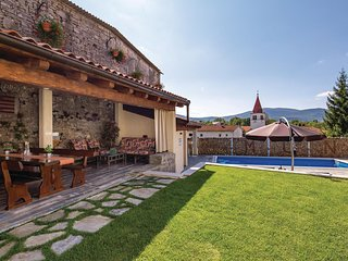 Beautiful home in Vele Mune w/ WiFi and 2 Bedrooms (CKO532)