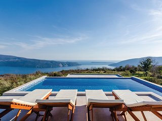 Stunning home in Herceg Novi w/ WiFi and 2 Bedrooms