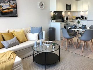 ☆ Stunning one bedroom apartment  by Creatick ☆