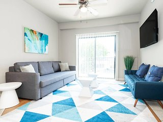 P301 · ★ WOW Party Condo Downtown