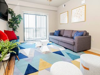 P514 · ★ WOW Party Condo Downtown