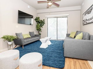 P314 · ★ WOW Party Condo Downtown
