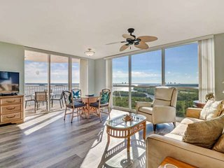 Luxury Condo, Stunning 9th Floor Views of Lovers Key & Estero Bay, Beach Gear, F