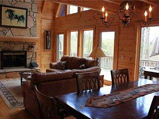 Honalee - Private Cabin, WiFi, Horse Barn,Trails