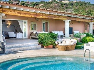 Luxury villa Mezzaluna