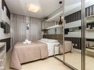 Apto de Luxo 3 dorms 6 pessoas Condomínio com Excelente Localização e Piscina -